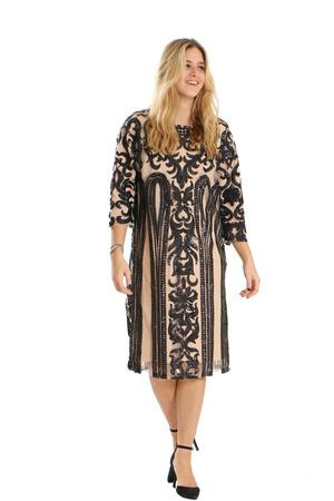 שמלת פייטים שחור גוף