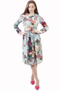 שמלת קפלים פרחונית תכלת
