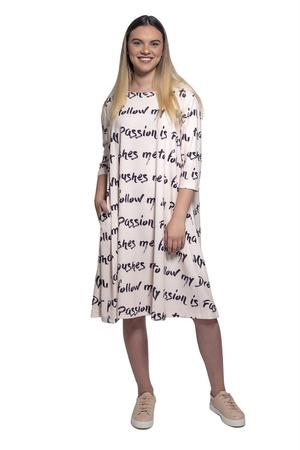 שמלת אוברסייז אפרסק
