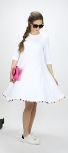 שמלת פונפונים לבנה