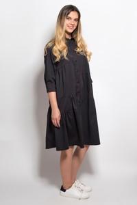 שמלה מכופתרת בגזרת אוברסייז שחורה