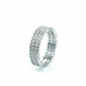 טבעת משובצת