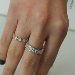 טבעת מעוינים קטנים
