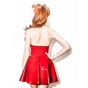 שמלת לייטקס סקסית בעיצוב רטרו