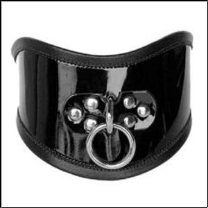 קולר יציבה רחב מעור רך עם טבעת הובלה