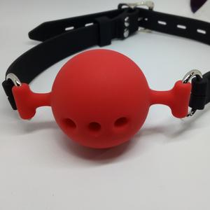 גאג כדורי מסיליקון עם חורים בשלוש מידות