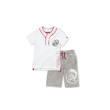 דיזל סט חולצה לבנה עם מכנס ברמודה אפור בהיר