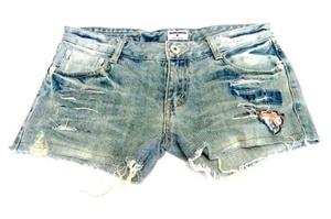 מכנס ג'ינס קצר וסקסי לאישה תואם למידות M-L
