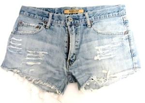 מכנס ג'ינס קצר למראה סקסי
