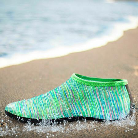נעלי חוף לנשים וגברים במבחר מידות וצבעים