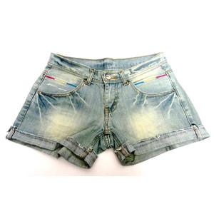 מכנס ג'ינס קצר לימי הקיץ לאישה תואם M-L