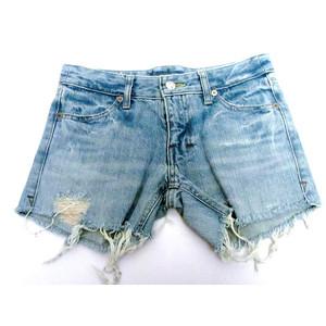 מכנס ג'ינס קצר סקסי לאישה תואם מידה S