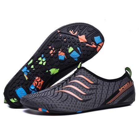 נעלי גלישה / חוף ים משובחות ונוחות ונגד מים לשימוש גלישה / חוף ים מבחר מידות וצבעים