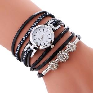 שעון יד אופנתי לנערות בשילוב קריסטלים ורצועה סביב היד