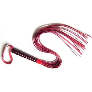 שוט 15 זנבות מעור אדום עם ידית פלסטיק שחורה