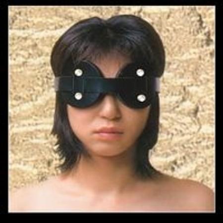 כיסוי עיניים מעור שחור בריפוד פרווה נעים להחשכה מוחלטת