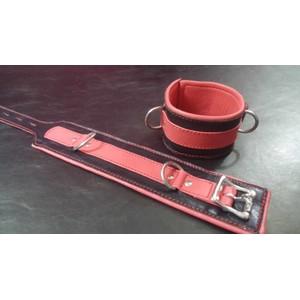 זוג אזיקי רגליים איכותיים רחבים מעור אדום שחור עם לולאות מתכת כסופות