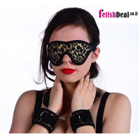 סט אזיקים וכיסוי עיניים עם דוגמת נמר עשוי מ-PVC