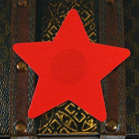 מדבקה לפטמות כוכב סאטן אדום