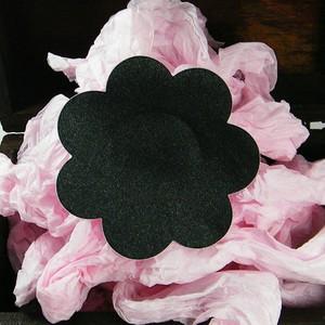 כיסוי פטמות פרח סאטן שחור