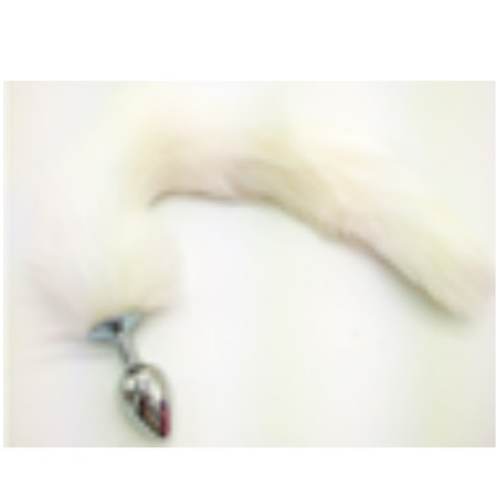 זנב ארוך בצבע לבן מפרווה סינטטתית עם פלאג מתכת קטן