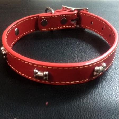 קולר עור אדום למשחקי כלבים