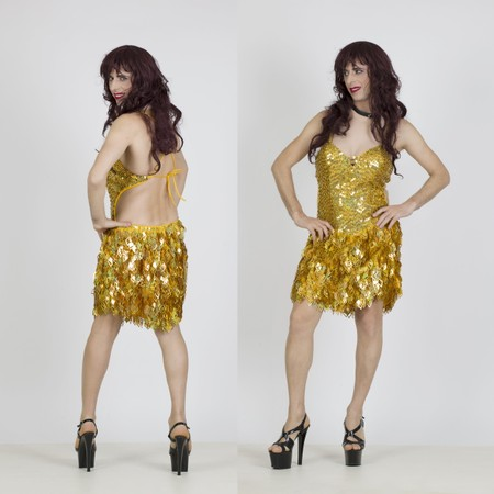 שמלת מיני בצבע זהב לדראג