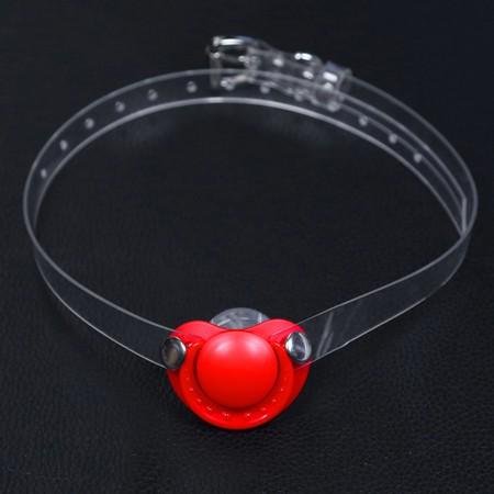 גאג בצורת מוצץ אדום עם רצועה שקופה