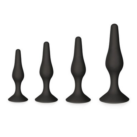 GLAMY A set of 4 butt plugs in different sizes made of black silicone
