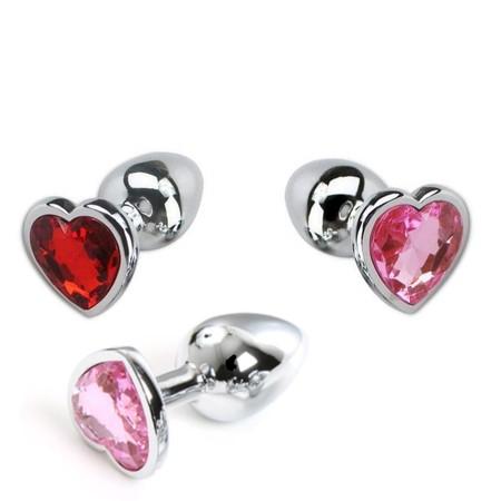 """פלאג מתכת קטן עם יהלום בצורת לב קוטר 2.5 ס""""מ"""