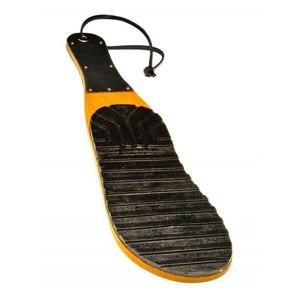 מחבט עץ / סוליית נעל