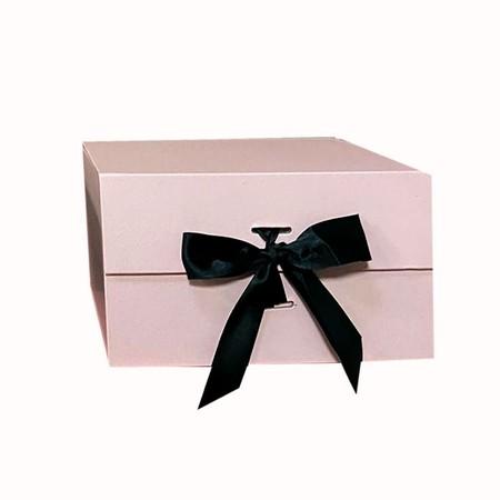 אריזת מתנה מהודרת ורודה/סרט שחור